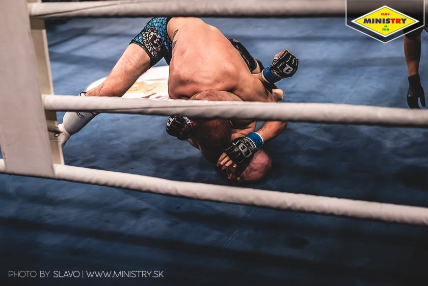 halny_mof1_job_szczepaniak_fight150