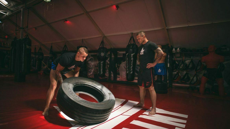 dlaczego warto trenować sporty walki?