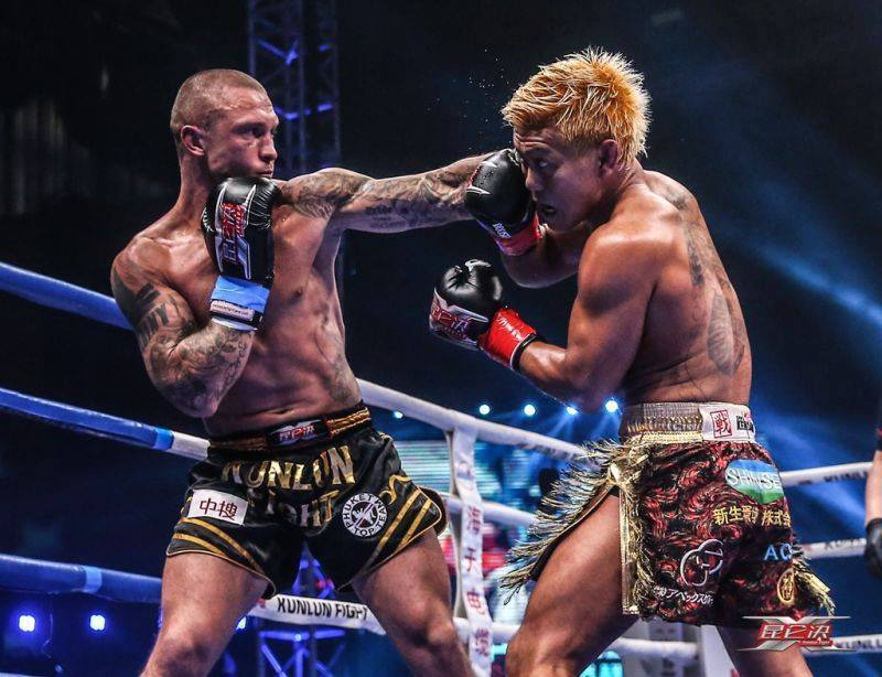 Łukasz Pławecki na gali Kunlun Fight 64 w Chinach